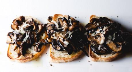 ep121 - mushroom crostini
