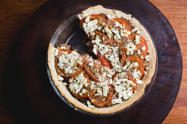 tomato, onion, and goat cheese pie