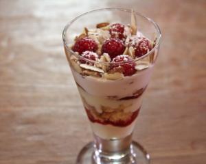 raspberry doughnut trifle - the sam livecast