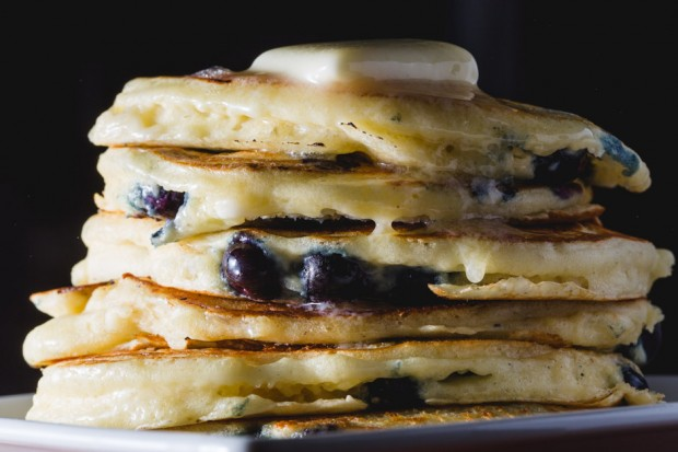 blueberry buttermilk pancakes - the sam livecast