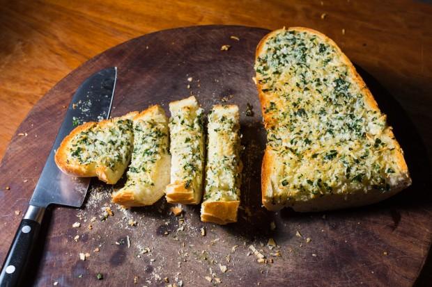 garlic bread - the sam livecast