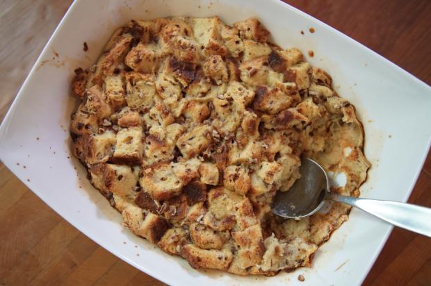 Cinnamon Roll Bread Pudding - the sam livecast